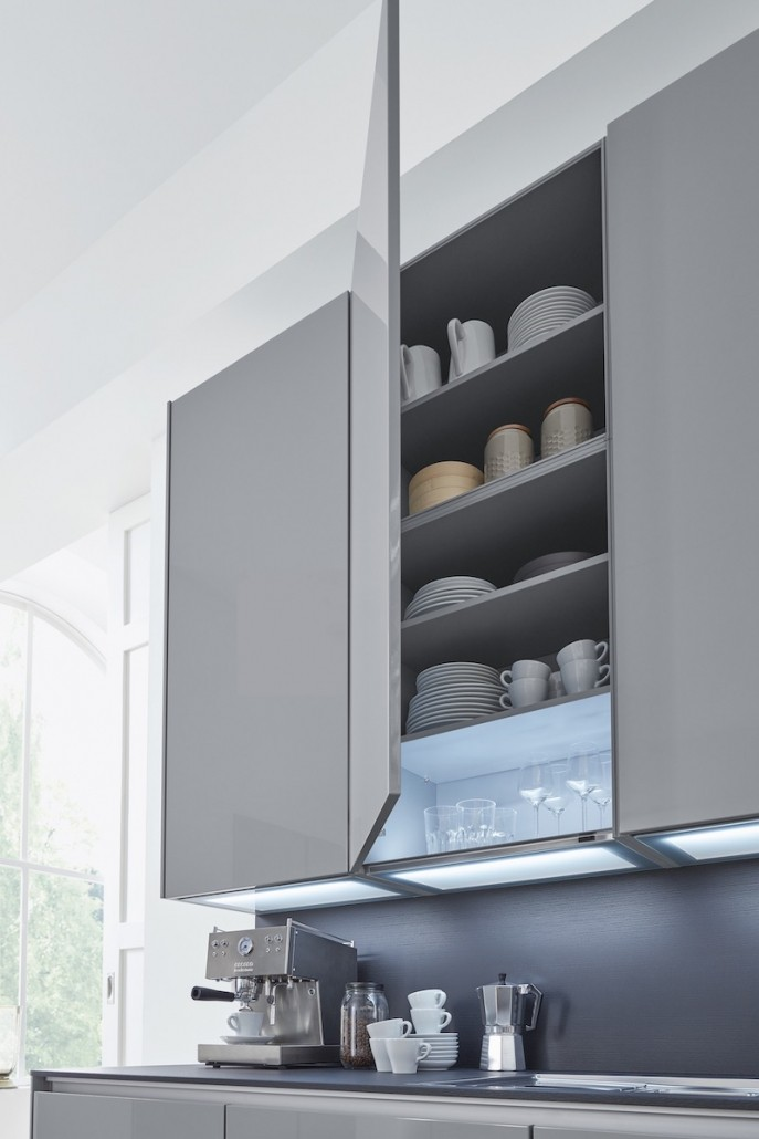 interliving-kuechenschrank-indirekte-beleuchtung-modern