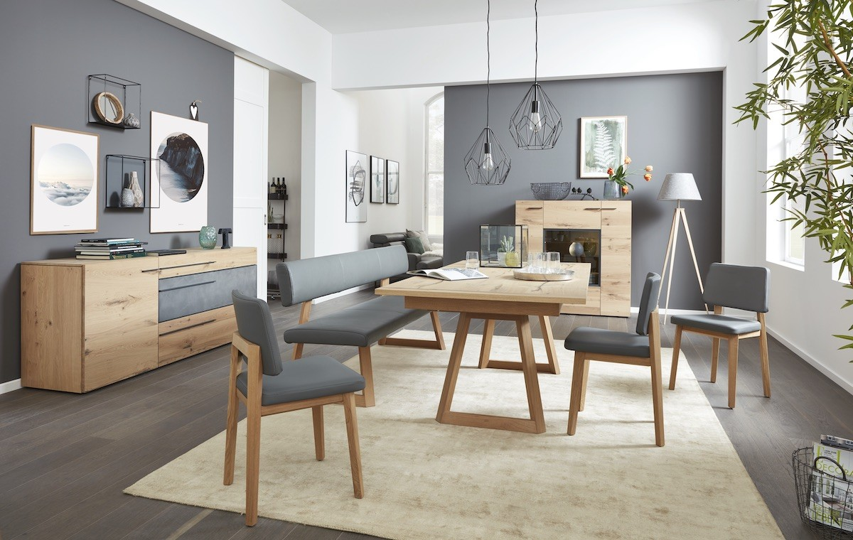 interliving-moebel-esszimmer-stuehle-tisch-sideboard