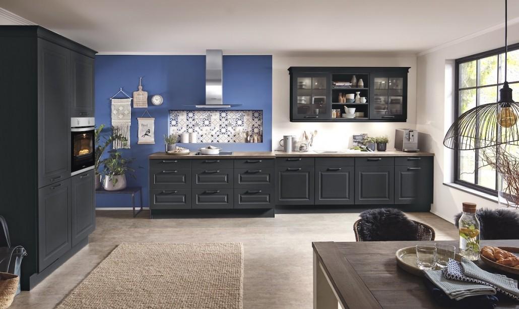 landhaus-kueche-modern-schwarz-anthrazit