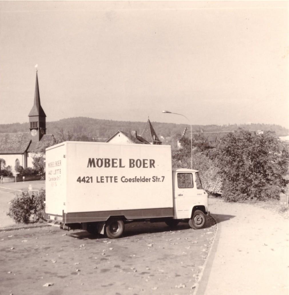 moebel-boer-geschichte-lkw-lieferung