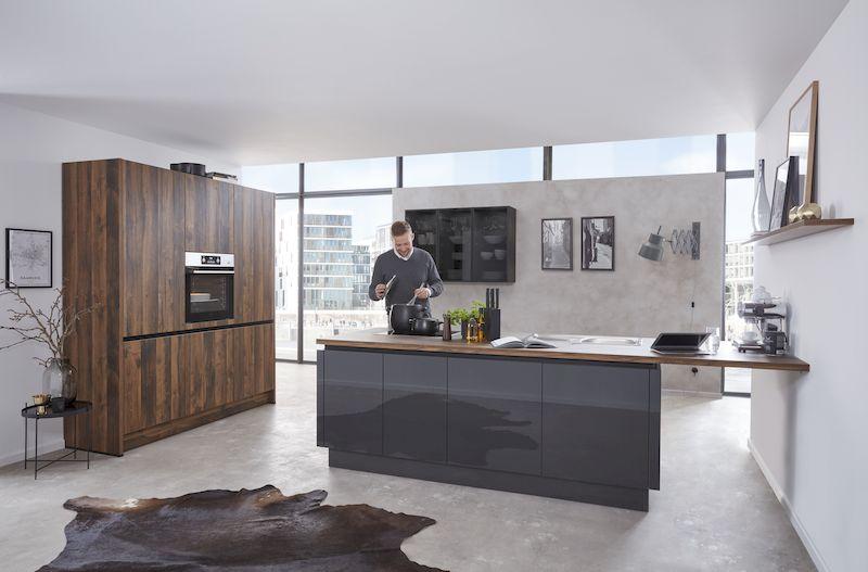 WERT-küche-kücheninsel-hochglanz-grau-holz