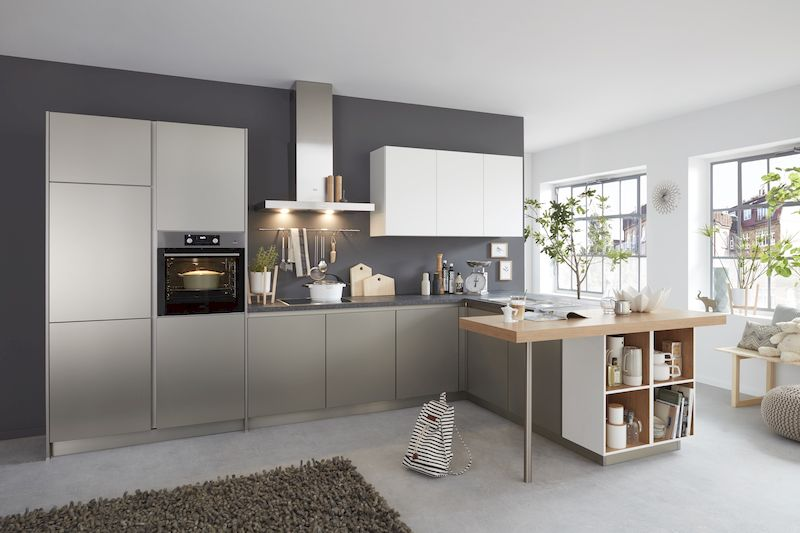 WERT-Küche-Silber-Holztheke-modern